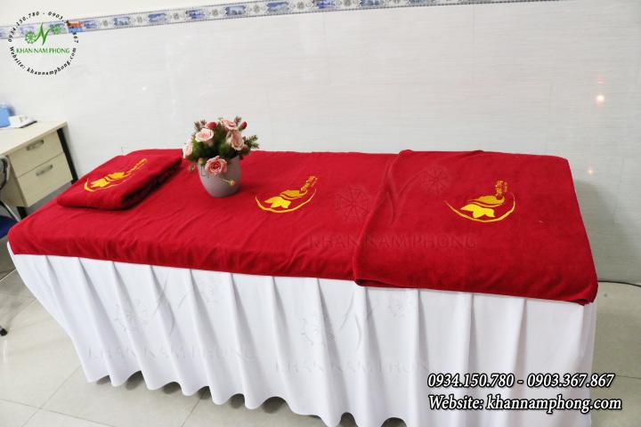 Mẫu khăn trải giường Spa Thanh Thủy Spa - Màu Đỏ (Cotton)