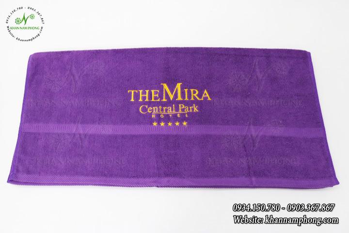 Mẫu khăn body The Mira - Tím có thêu Logo (Cotton)