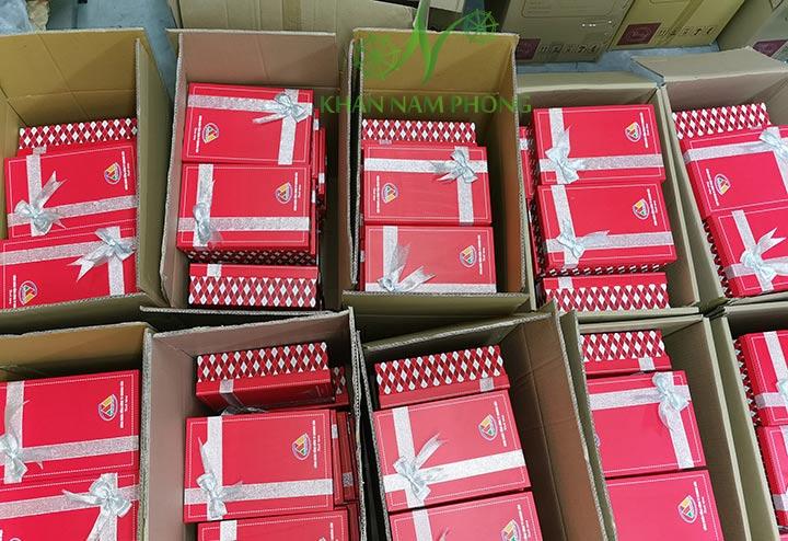 Bộ Khăn quà tặng được đóng hộp do Khăn Nam Phong thực hiện và cung cấp