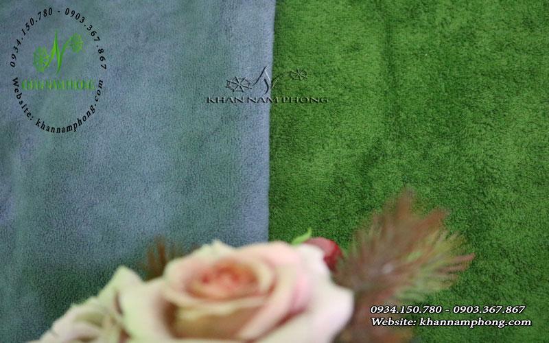 So sánh khăn microfiber và khăn cotton