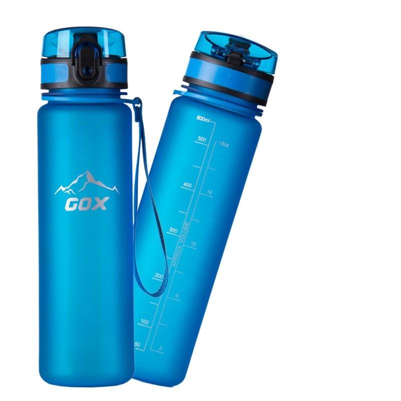 Bình đựng nước - quà tặng cho người thích chạy bộ