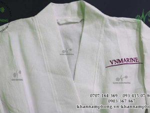 áo choàng tắm của VN Marine chất liệu Cotton dập tổ ong