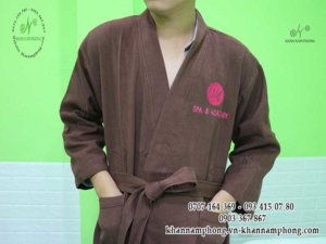 áo choàng của JK spa chất liệu Cotton, 2 màu xám và nâu