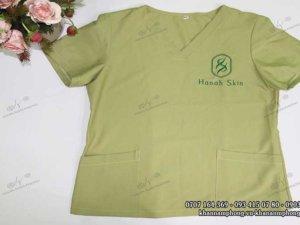 đông phục Spa màu xanh la chất liệu cotton của Hannah Skin