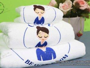 khăn Spa của Chuu beauty room màu trắng chất liệu microfiber