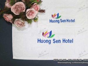 khăn bông cotton trắng khách sạn Hương Sen Hotel
