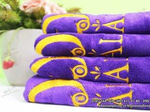khăn spa của HOALYS màu tím chất liệu microfiber