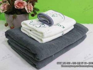 khăn spa của KATMedi Beauty màu xám & trắng chất liệu Cotton