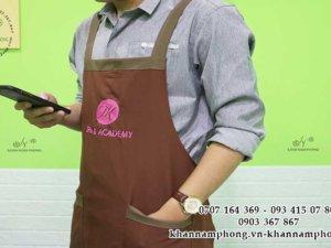 tạp dề màu nâu chất liệu cotton của JK Spa