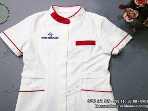 Đầm và áo đồng phục của Home Medicare màu trắng chất liệu cotton