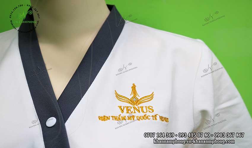 Đồng phục spa của Venus màu trắng + xám chất liệu cotton