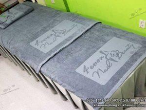 Khăn Spa của 4ver Nails & Beauty màu xám, chất liệu cotton