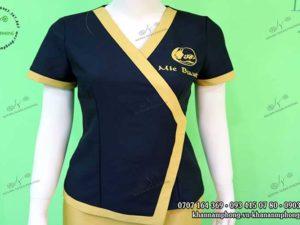 Đồng phục Spa của Mie Beauty màu đen và vàng