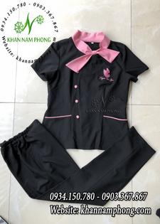 Mẫu đồng phục Spa màu đen phối hồng cánh sen
