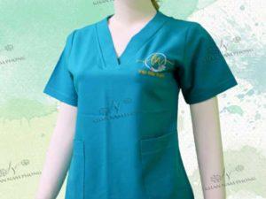 Đồng phục spa màu xanh của Viện Điều Trị LENA