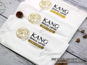 Khăn quấn tóc của Kang Beauty Center màu trắng , chất liệu microfiber