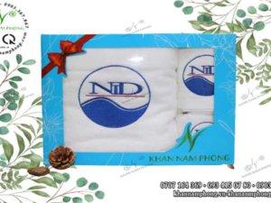 Khăn quà tặng của NiD màu trắng chất liệu Cotton