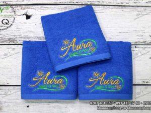 Khăn tay nails của Aura Nails & Spa gồm nhiều màu